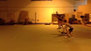 Acrobaties - rondade salto / SO DANCE studio