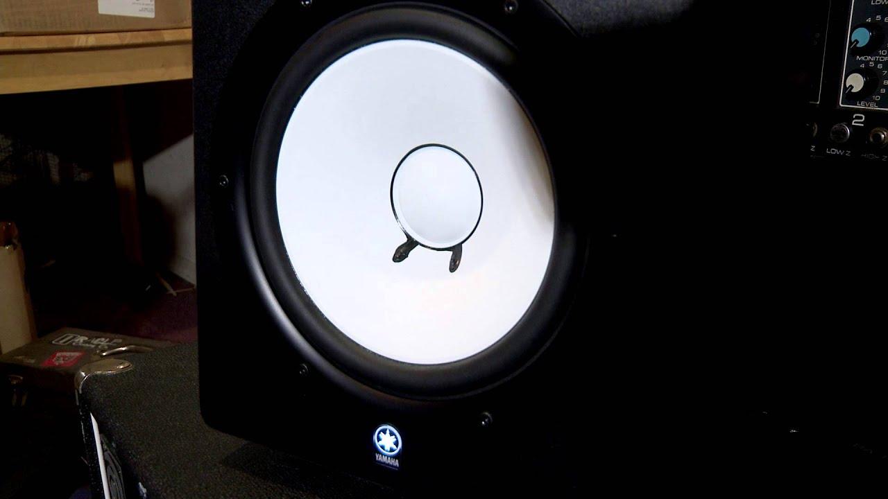 Broken yamaha hs80m studio speaker monitor youtube for Yamaha hs80 vs hs8