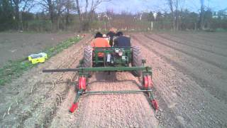 Holland Self Propelled Transplanter steering itself