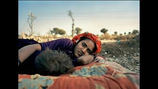 Забудь о джинсах и браке по любви: 10 правил жизни девушек в цыганском таборе