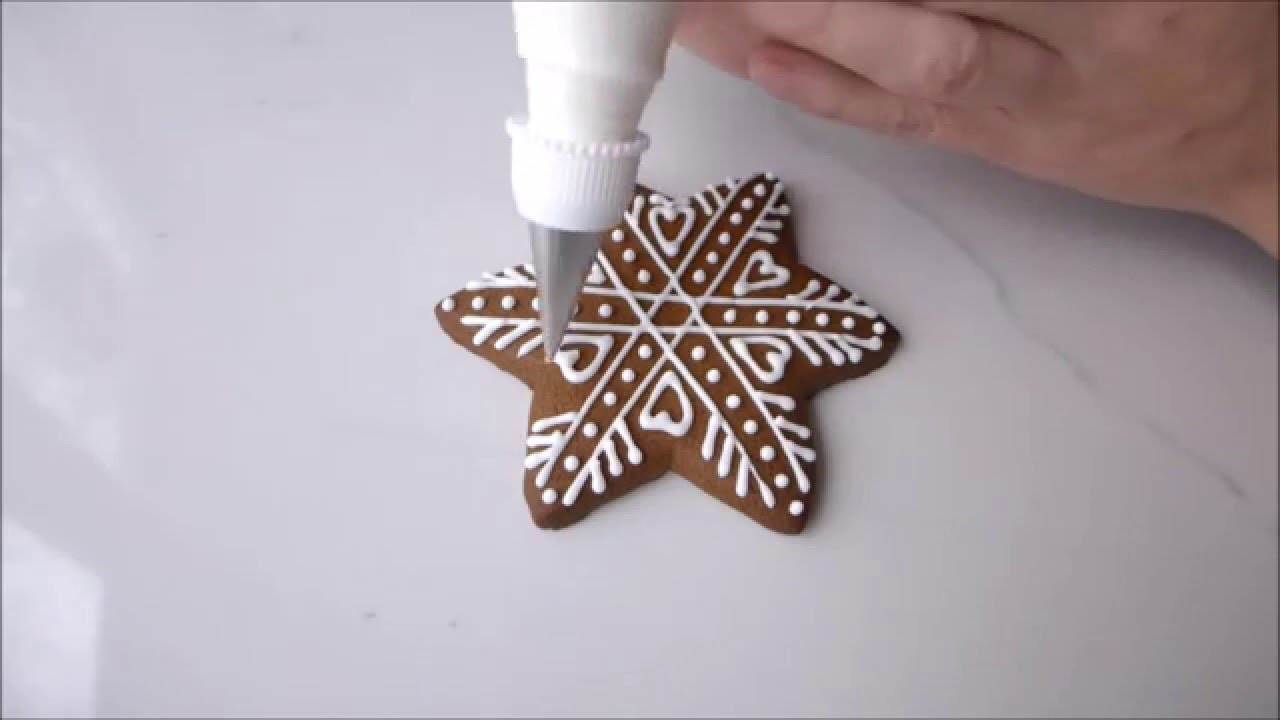 How To Decorate Christmas Gingerbread Snowflakes