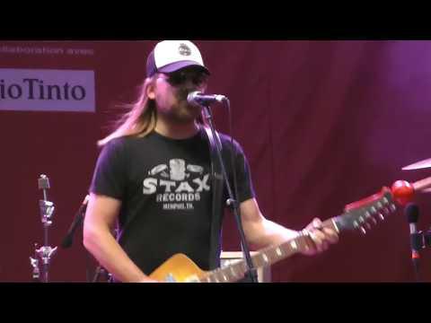 Steve Hill ONE MAN BAND Blues Rock Guitar SOLO de FEU! Montréal JAZZ Festival Canada 2018