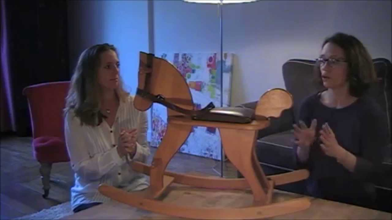 test cheval bascule en bois 1 an moulin roty choix de parents avis youtube. Black Bedroom Furniture Sets. Home Design Ideas