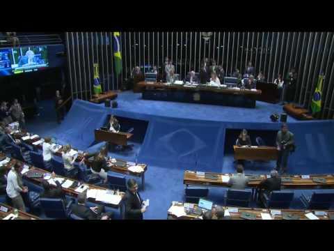 Senado aprova relatório que torna Dilma ré no processo de Impeachment