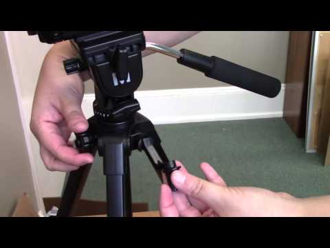 Connecting the Camcorder to the Tripod