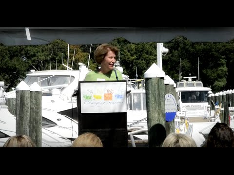 Paula Rinehart shares at the Yacht Club in Virginia Beach