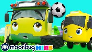 Бастер и ПАПА играют в Футбол Автобус Бастер Go Buster Moonbug Kids