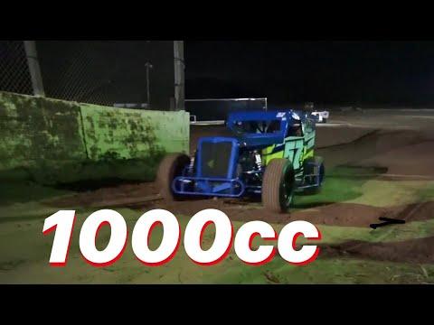 Dwarf Car dirt track practice in Texas