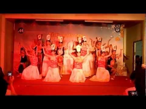 bài múa hay nhất ktx đh tài chính - marketing 14/6/2012