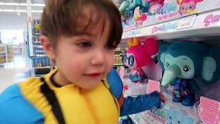 Toy Hunt at Toys R US!!!