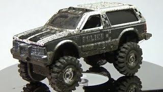 Hot Wheels Custom Chevy Blazer 4X4 with Mud Splatter Effects thumbnail