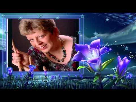 Helga Franziska singt Ich will immer wieder dieses Fieber spüren - Karaoke