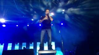 Gary Allan - Every Storm Runs Out of Rain (Live)
