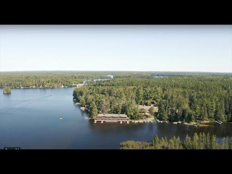 wisconsin-wedding-on-the-water-at-chippewa-retreat-resort-|-luke-+-alicia