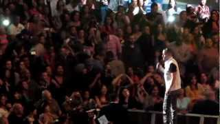 Wisin & Yandel - Estoy Enamorado LIVE at Madison Square Garden (Feb. 23, 2012)