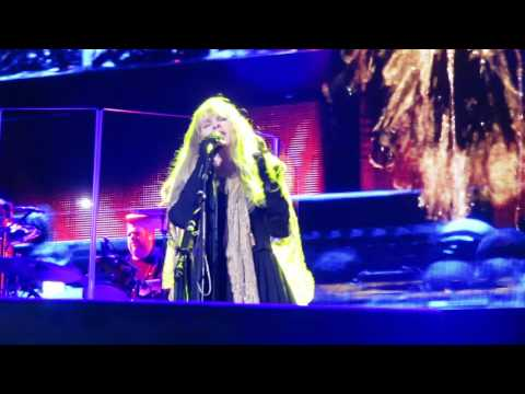 "Stevie Nicks - Nassau Coliseum 4-6-2017 ""Gold Dust Woman"""