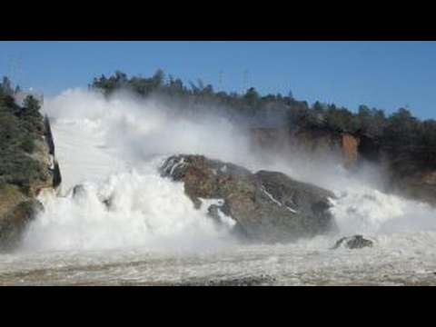 California officials race to have dam ready ahead of storm