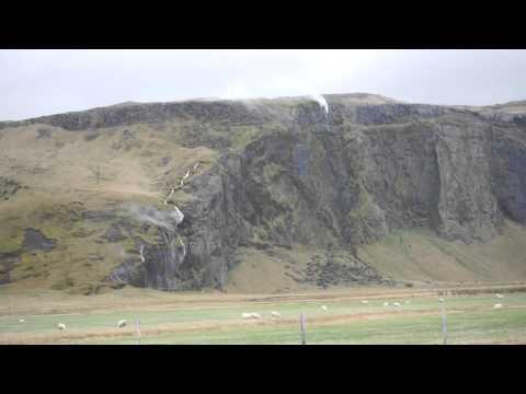 Iceland : Wind makes waterfalls flow backwards