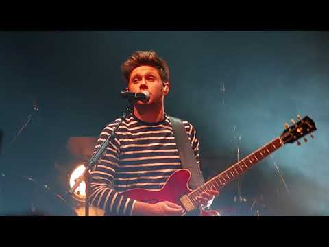 Mirrors - Niall Horan @ Massey Hall Nov.1, Toronto