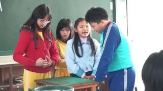 20090116五丙期末同樂會  陳映頻 李芷瑩 魔術表演 thumbnail