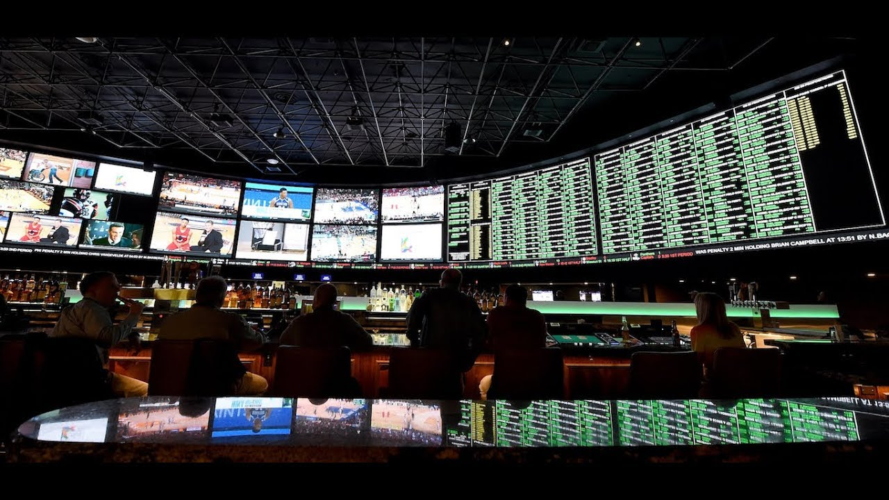 Michael Irvin On Legalized Sports Betting - YouTube