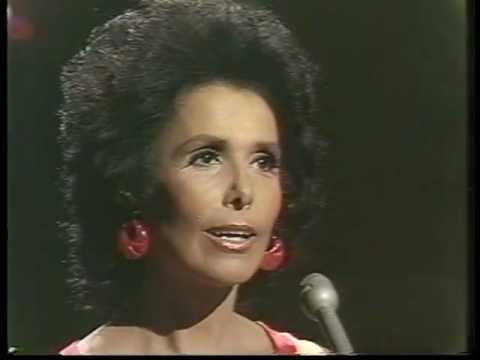"Lena Horne - ""I Will Say Goodbye"" 1972 - YouTube"