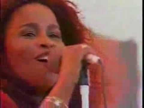"Chaka Khan ""I feel for You"" live"