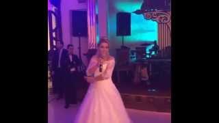 Azeri wedding gəlin öz toyunda oxudu / Невеста спела на своей свадьбе