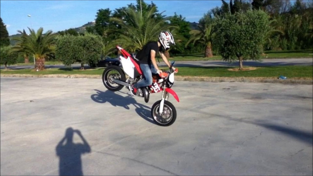 Honda CR 125 Story - YouTube