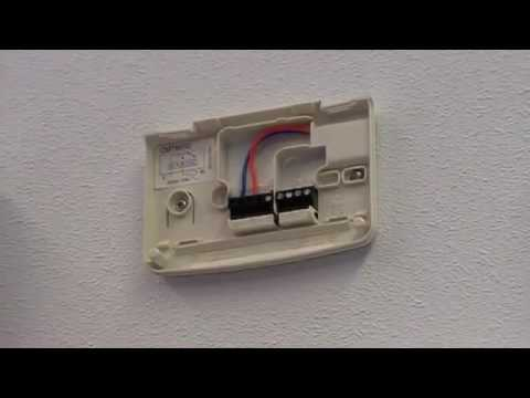 Chronotherm thermostaat verwijderen | Honeywell Home - YouTube