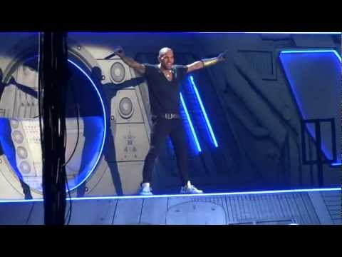 Chris Brown live Turn up the music 2012 Berlin,...