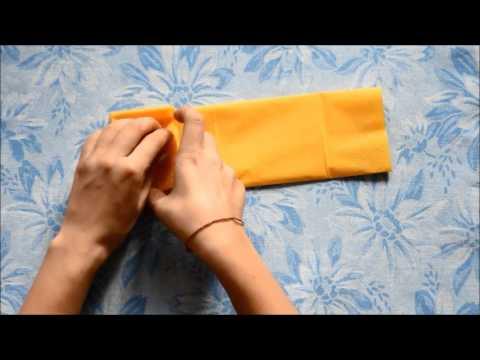 servietten falten schleife mit dem serviettenring youtube. Black Bedroom Furniture Sets. Home Design Ideas