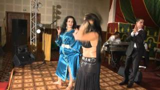 Repeat youtube video Asmahan and Nawarra - Mediterranean Delight Festival 2011 - Morocco Marrakech
