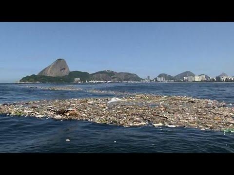 Rio de Janeiro: Giochi Olimpici tra i rifiuti, allarme inquinamento a Guanabara Bay