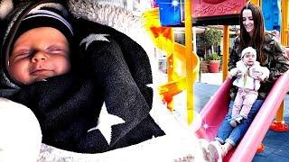 Зара и Фома на детской площадке - Поняня. Видео для детей.