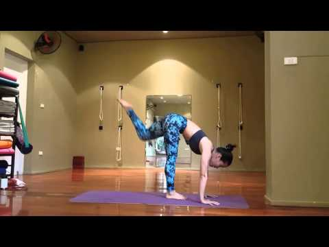 Handstand - Tập chuối tay 2