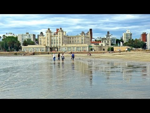 Montevideo Uruguay, turismo por la ciudad / capital.  City tour. Calles y playas guía