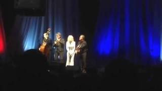 Gambar cover Dolly Parton - The Night They Drove Old Dixie Down