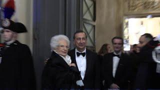 La Prima della Scala, è il gran giorno di Tosca. Applausi per Liliana Segre