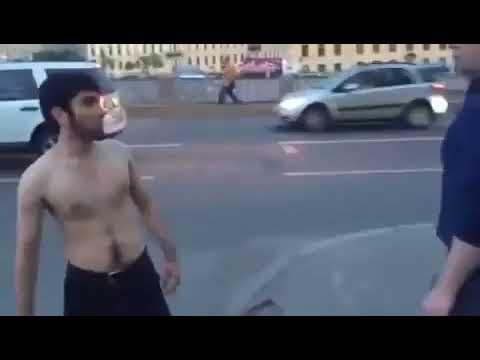 Азербайджанец с одного удара завалил русского мужика