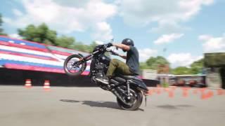 Stunt Review Harley Davidson Street 750