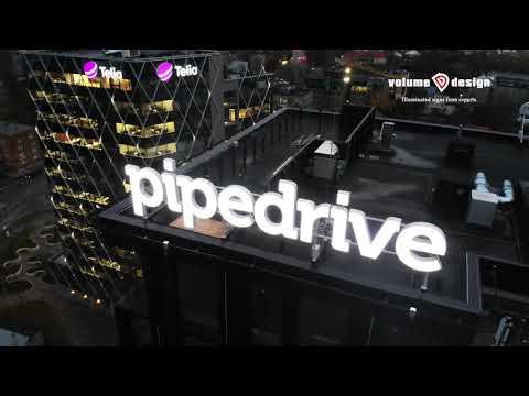 Valgustähtede tootmine ja paigaldus Pipedrive ärimajale