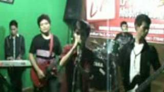 Download Video deadline cinta MP3 3GP MP4