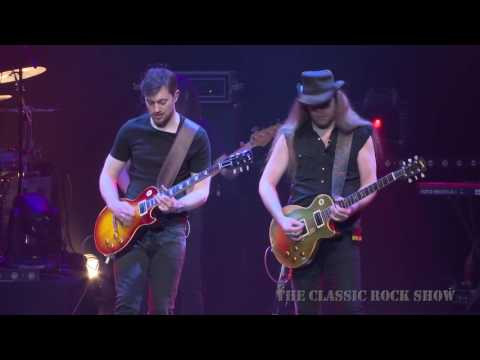 "Lynyrd Skynyrd ""Free Bird"" performed by The Classic Rock Show"