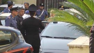 Gambar cover San Felice a C. (CE) - Arrestato il sindaco De Lucia, inchiesta su appalti e tangenti (30.09.16)
