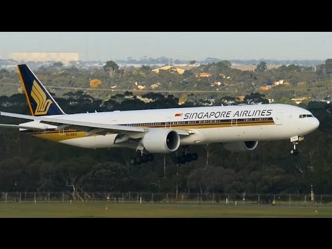BREATHTAKING Singapore Airlines 777-300ER Landing & Takeoff ● Melbourne Airport Plane Spotting