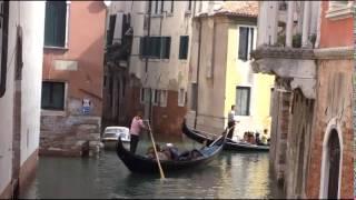 Венеция. Город и кладбище. Venice. City and Cemetery. ヴェネツィア。市と墓地。威尼斯。市和公墓。(Музыку Сергея Чекалина к этому видео можно скачать по адресу: http://www.realmusic.ru/sergeychekalin/music/ или http://promodj.com/diamond.serg..., 2015-02-28T09:51:30.000Z)