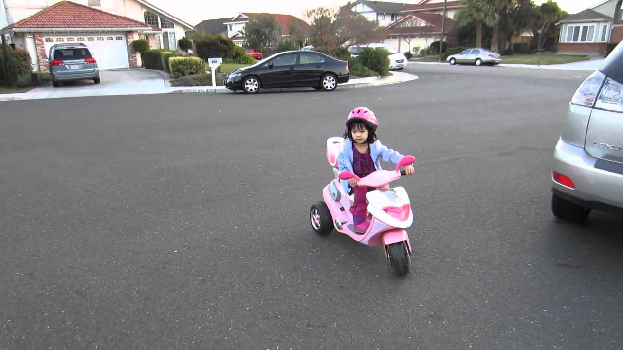 Kid Trax Groove N Go Electric Ride On Scooter Youtube