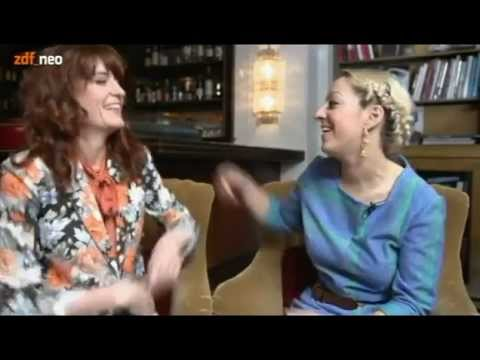 Florence Welch with Isabella Summers interview (Bambule TV)