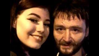 Девушка потеряла сумочку с деньгами и телефоном, но бездомный не остался равнодушным